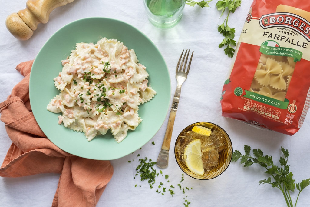 Borges - Farfalle with smoked salmon and cream