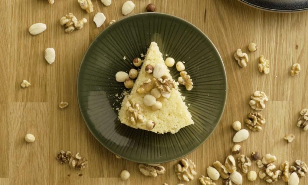 Yoghurt sponge cake